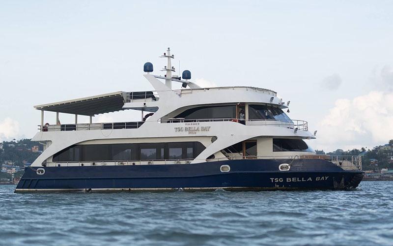 Bella Bay Luxury Cruise Dinner